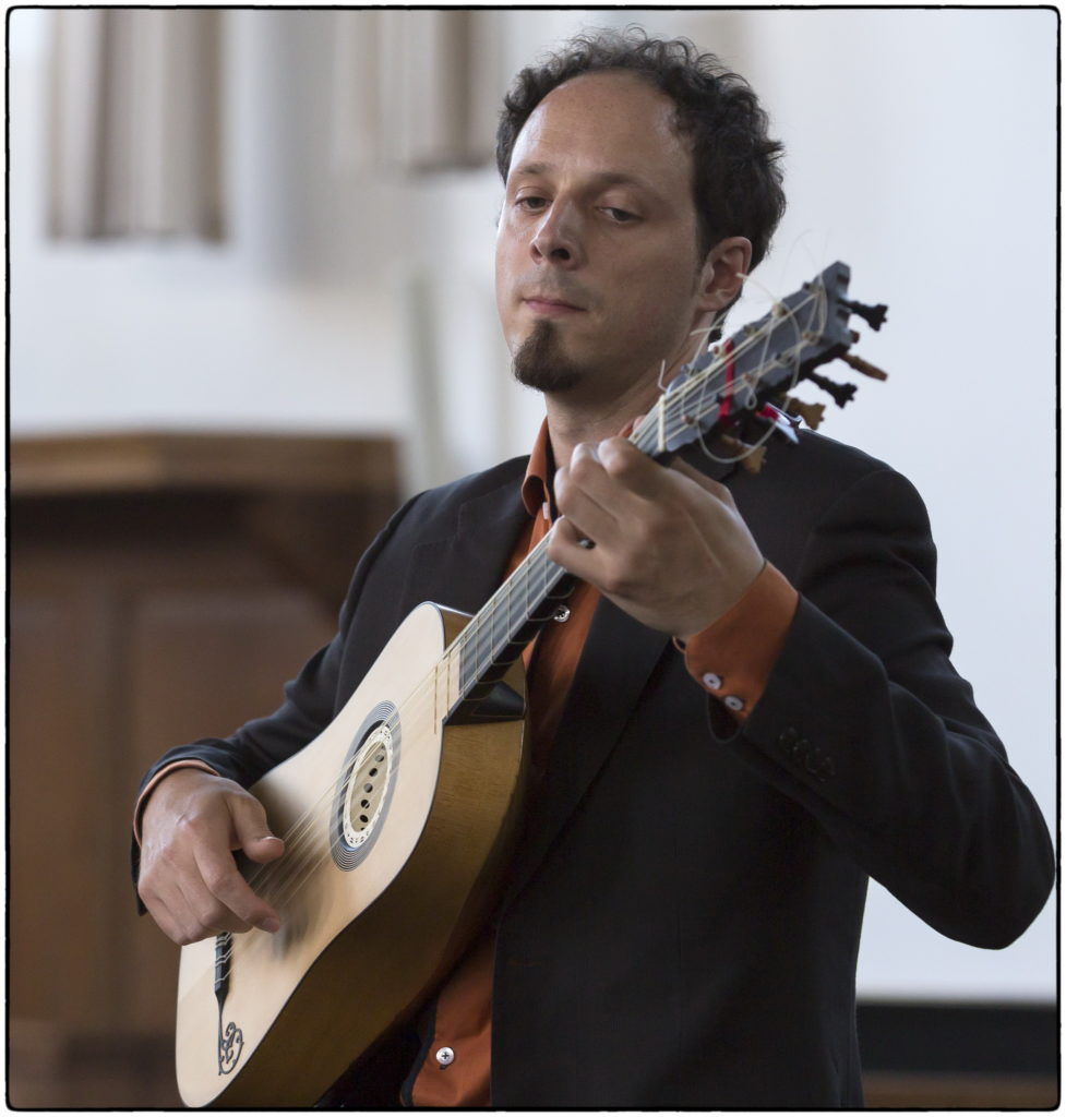 Izhar Elias in Ossendrecht @ kapel van de Volksabdij | Ossendrecht | Noord-Brabant | Nederland